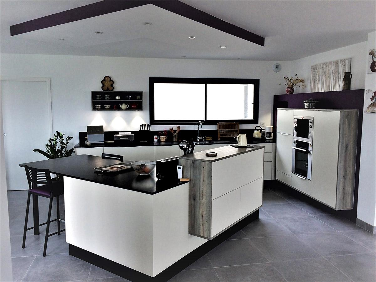 cuisine armony en laque il t en v cuisines kergourlay. Black Bedroom Furniture Sets. Home Design Ideas